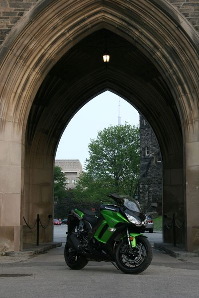 Kawasaki Ninja 1000 Review - 3