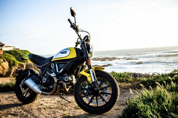 2015 Ducati Scrambler Icon model overlooking the ocean at the Pigion Point Lighthouse