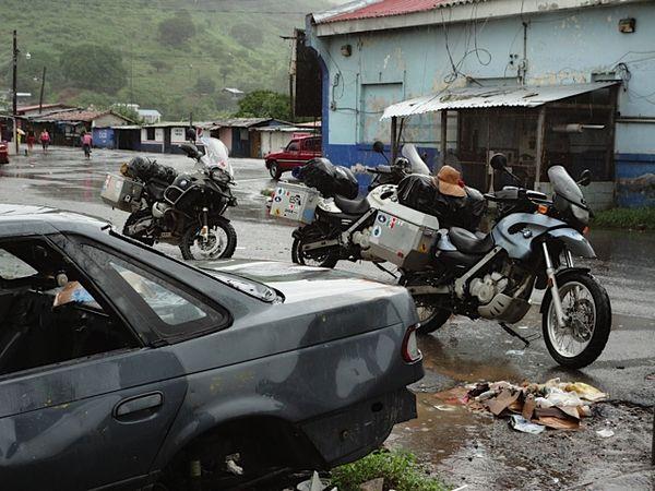 This is an official border - Honduras