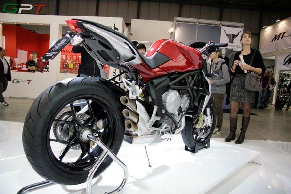 MV Agusta Brutale 800 2013 - Side