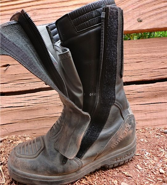 boots side zippers
