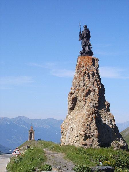 Saint Bernard de Menthon Statue