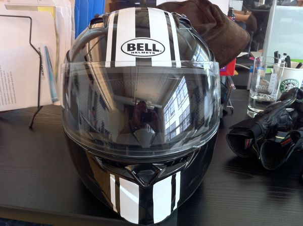 Bell Revolver helmet (closed)
