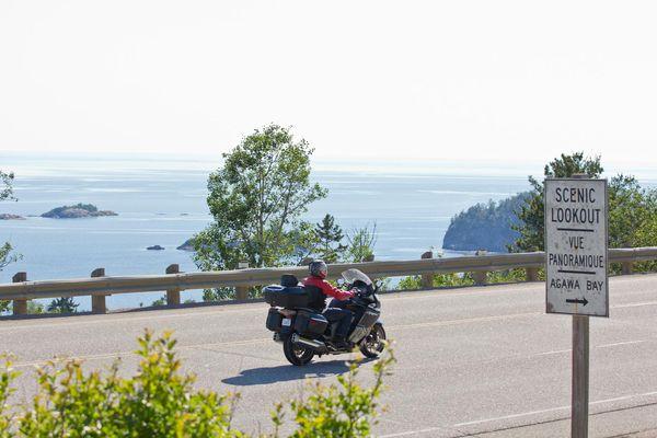scenic riding along Lake Superior - Grand Algoma Tour