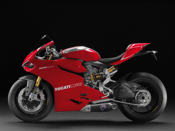 2013 Ducati 1199 Panigale R - left view