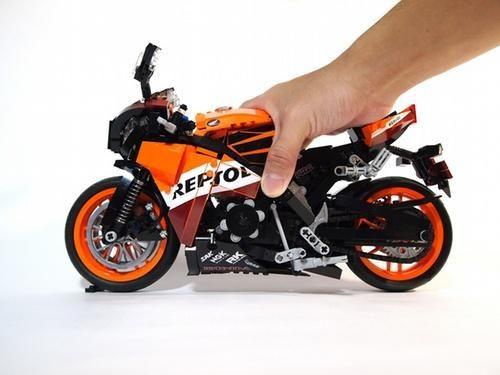 LEGO Honda REPSOL CBR1000RR - an idea of its scale