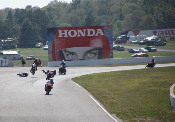 Race #10, CBR250R Crash2