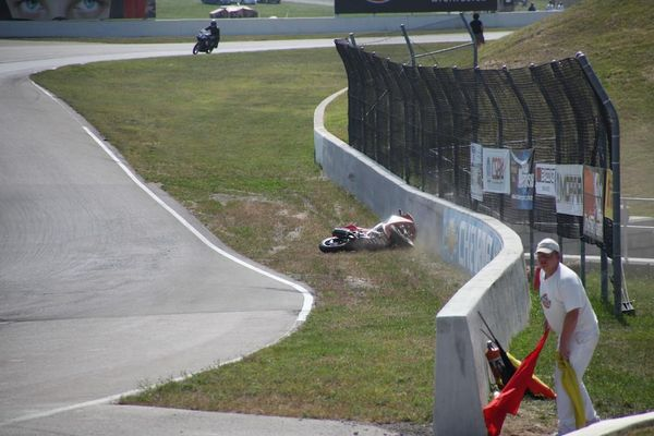 Race #10, CBR250R Crash7