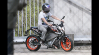 Electric KTM Duke Spotted