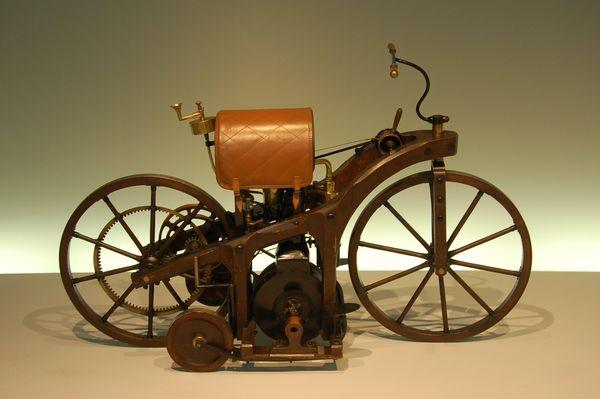 1885 Daimler Reitwagon - Einspur