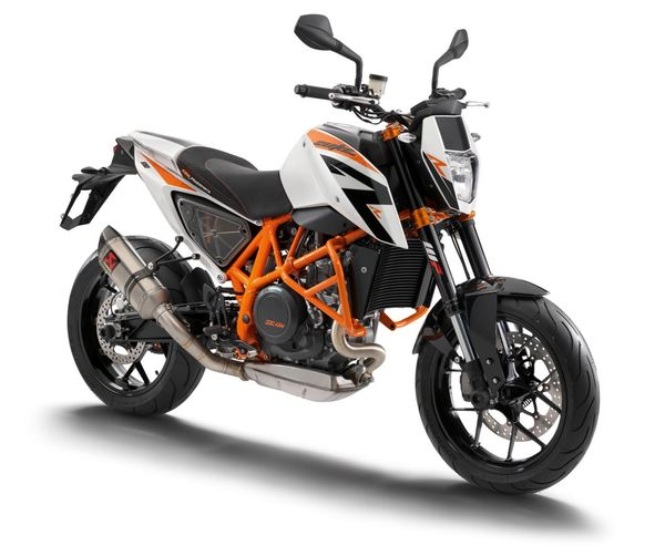 2013 KTM 690 Duke R -  front right quarter view