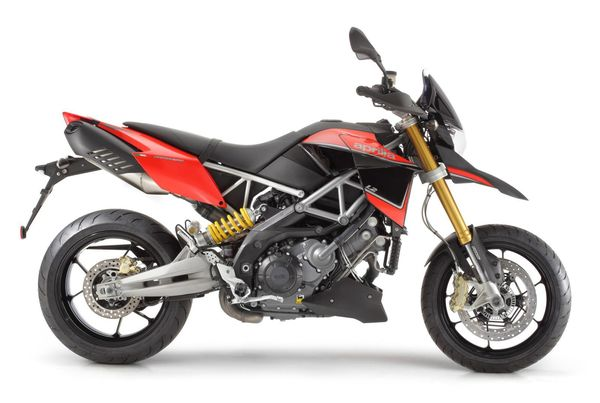 2013 Aprilia Dorsoduro 1200 - righ side view