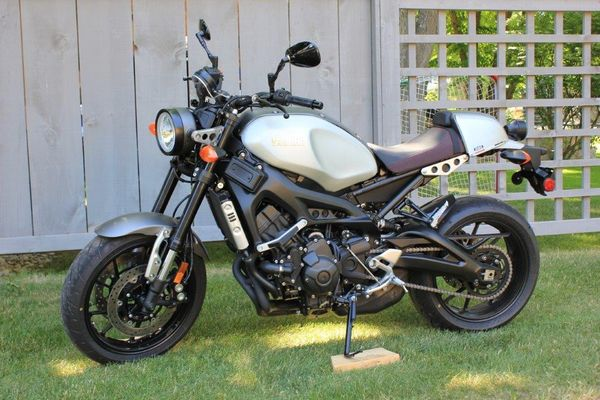 2016 Yamaha XSR900 With Humped Rear Seat
