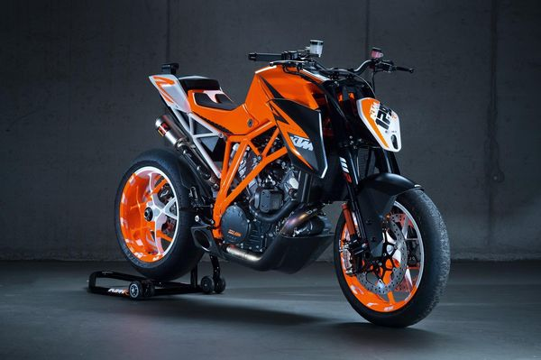 KTM 1290 Super Duke R Prototype - front quarter view