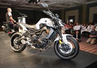 Yamaha Introduces New R6 and Updated FZ-09
