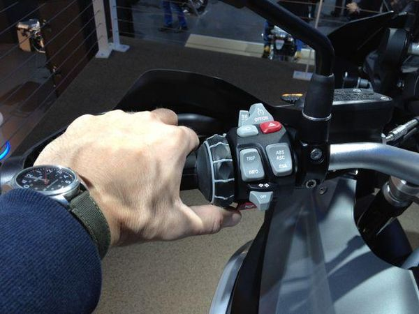 Lots of Buttons on the R1200GS