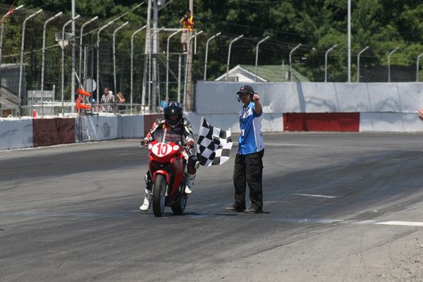 Casas wins Race #2 St-Eustache CBR250 CSBK '12