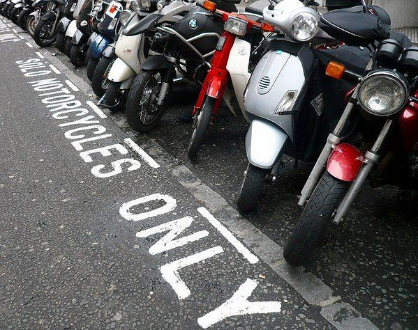 Motorcycle Parking in City of Westminster http://flickr.com/photos/everydaylifestyle/
