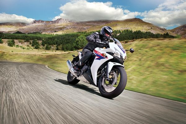 2013 Honda CBR500R in action