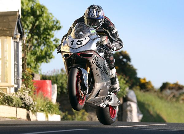 Norton's SG6 In Action