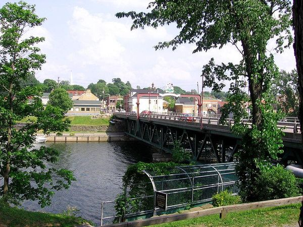 New Glasgow, Nova Scotia, East River Bridge