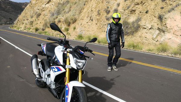 Alex from BMW, is the master of clutchless upshifing through the six-geared G130R; he designed the routes and volunteered to be my guide through the Santa Monica Mountains