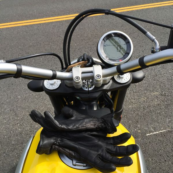 2015 Ducati Scrambler's really simple dashboard