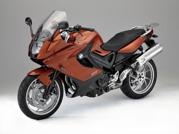 2013 BMW F 800 GT - front quarter view