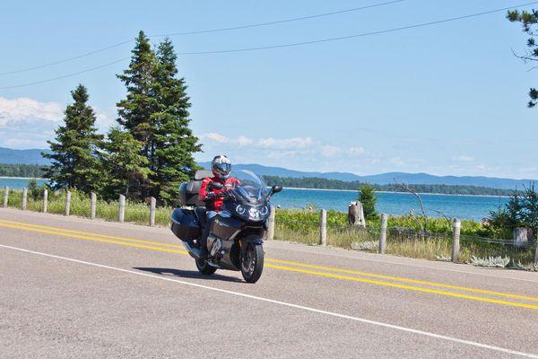 Riding along Lake Superior - Grand Algoma Tour