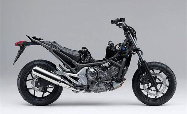 The NC700 without trim - All the weight is way down low