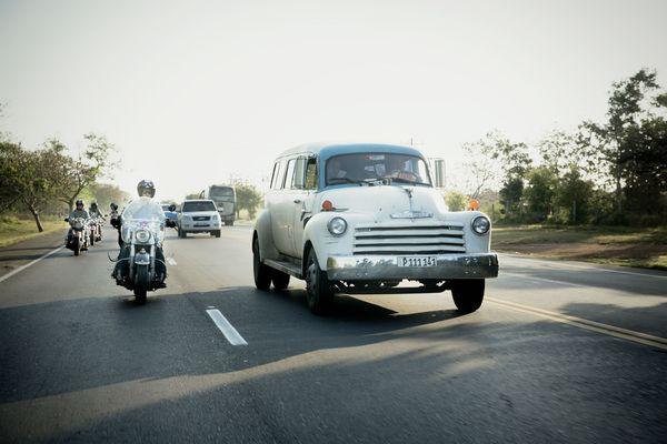 Cruising Cuba photo by Gotz Goppert