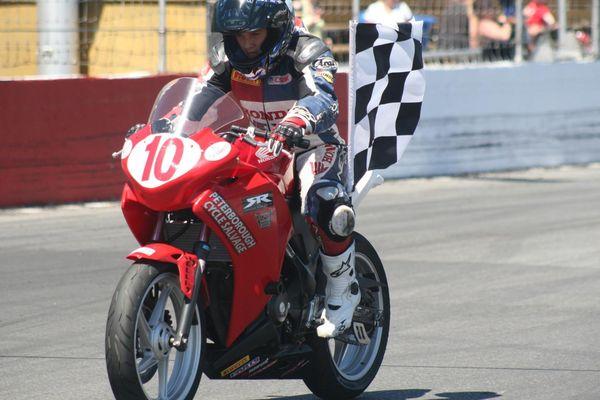 Casas takes winner's lap Race #2 St-Eustache CBR250 CSBK '12