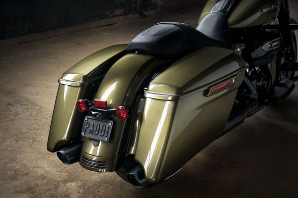 Bags to fit pretty much anything: 2017 Harley-Davidson Road King Special