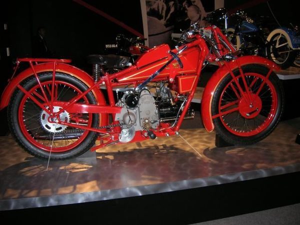 1927 Moto Guzzi 500 cc 2 VT