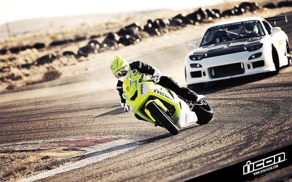 Drift 1: Kawasaki ZX10 vs. Mazda RX7 with corvette engine