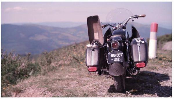 BMW bobber - Edwin Jeans