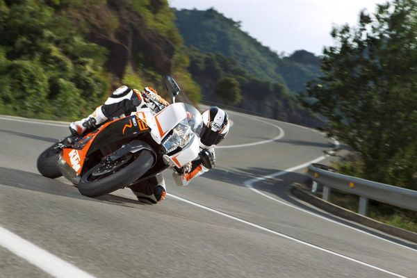 2013 KTM 1190 RC8 R in action 1