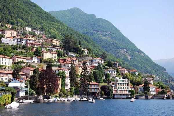 Italy - Lake Como Houses