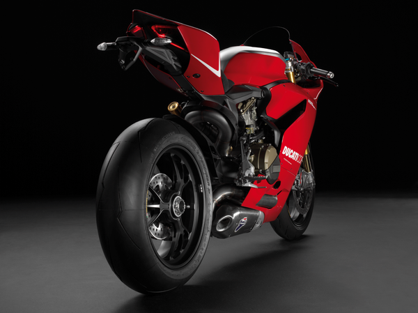 2013 Ducati 1199 Panigale R - rear quarter view