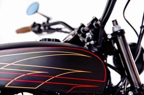 Garage Project Motorcycle's Street Tracker - tank and pinstriping
