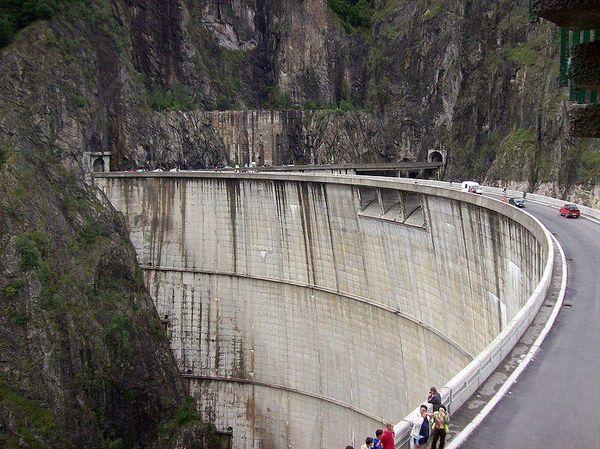 Vidraru Dam and the Transfagarasan, Romania