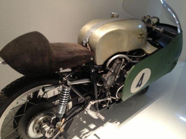 Moto Guzzi vintage race beauty
