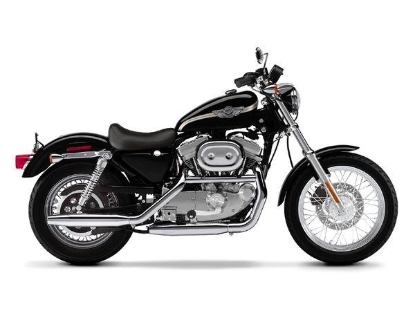 Harley_Davidson_XL883_-_Sportster_883