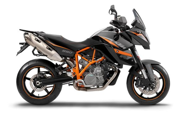 2013 KTM 990 Supermoto T -right side view