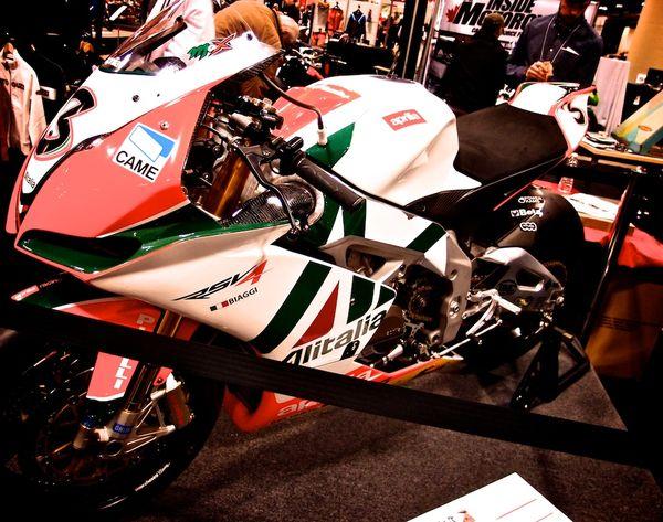 Aprilia RSV4 Biaggi Superbike Replica