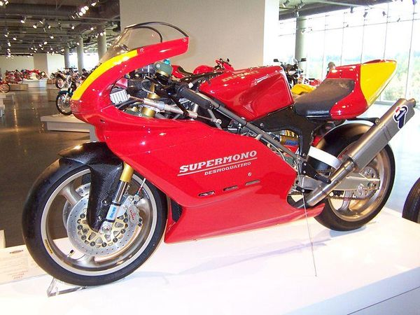 Ducati 550 Supermono