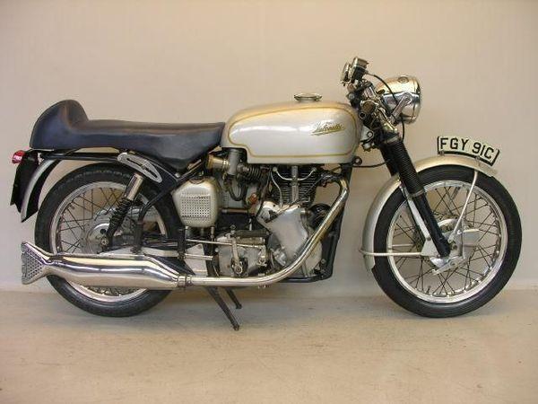 Velocette_Thruxton_500_cc_1965