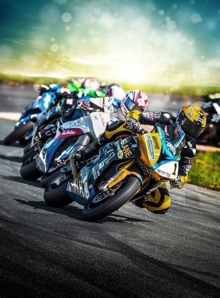 Competition Heats up at  the 2016 Canadian Superbike Doubleheader Weekend