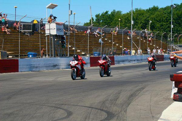 Race #2 last lap St-Eustache CBR250 CSBK '12