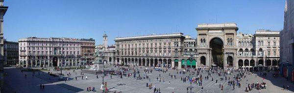 Plaza Duomo, Milan